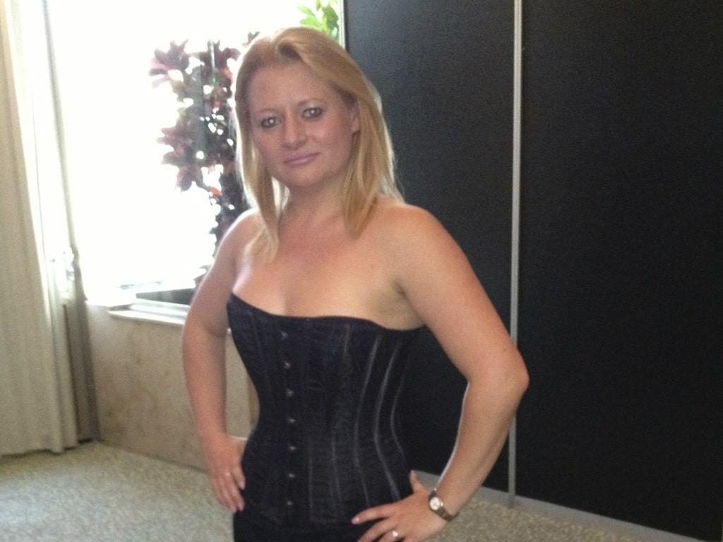 münchen girl corsage